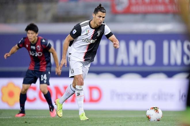 Video highlight trận Bologna - Juventus: Ronaldo - Dybala tưng bừng nhảy múa - 1