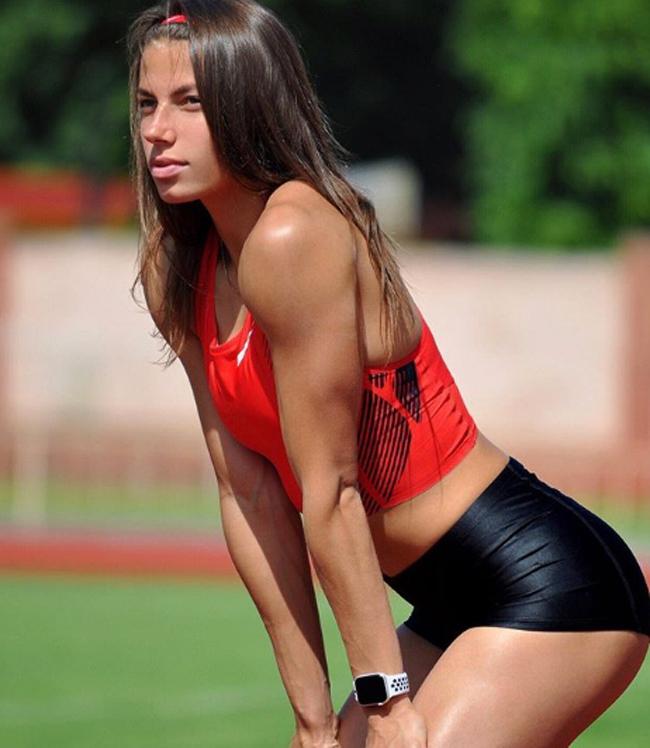 Maryna Bekh Romanchuk, cô gái 24 tuổi người Ukraina là một VĐV nhảy xa có thân hình quyến rũ.
