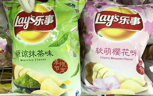 Khoai tây chiên vị trà xanh và hoa anh đào tại Nhật Bản