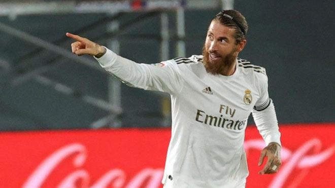 Real ghi bàn gây tranh cãi soán ngôi Barca, Ramos đáp trả Pique sâu cay - 3