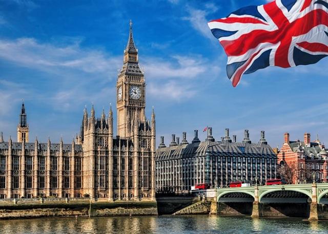Vương quốc Anh đang ôm khối nợ lớn hơn nền kinh tế cả nước - 1