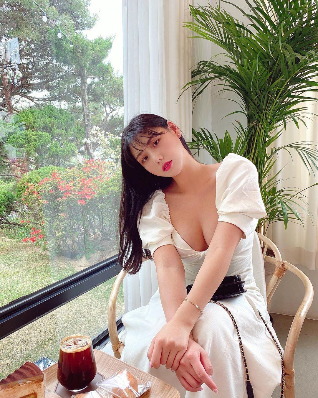 Phái đẹp mê trang phục tôn vị trí hấp dẫn nhất của phụ nữ - 1