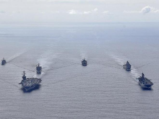Mỹ siết thêm gọng kìm với Trung Quốc - 1