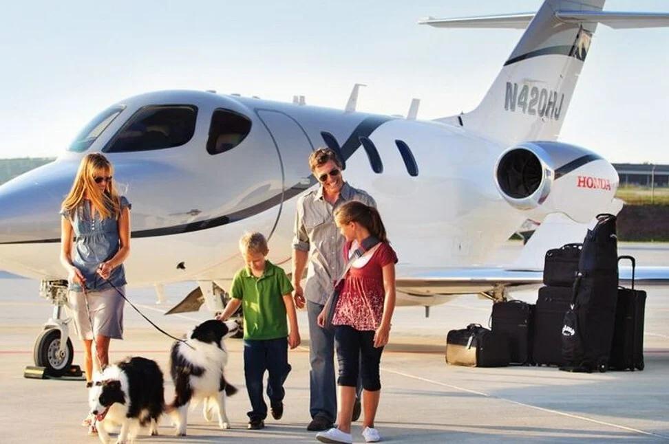 Góc khuất của cuộc sống khi làm con trong những gia đình siêu giàu có - 1