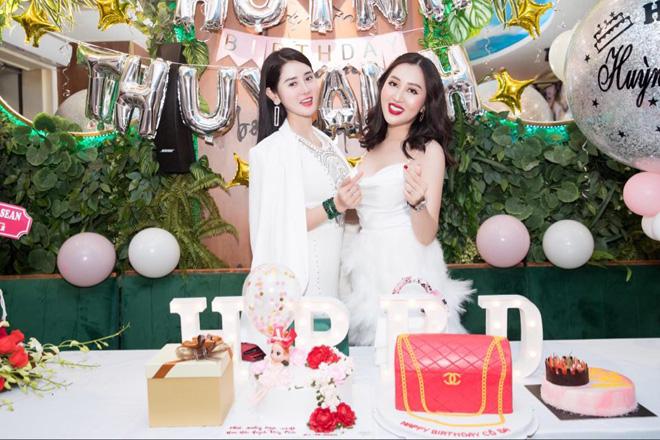 Dàn hoa hậu hội ngộ, mừng sinh nhật hoa hậu Huỳnh Thúy Anh - 1