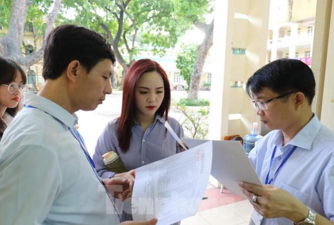 Đăng ký thi tốt nghiệp THPT và tuyển sinh ĐH, CĐ: Hồ sơ của thí sinh tự do cần những gì - 1