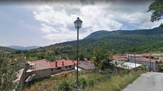 Ngôi làng cổ Italy miễn phí nơi ở để thu hút khách du lịch - 4