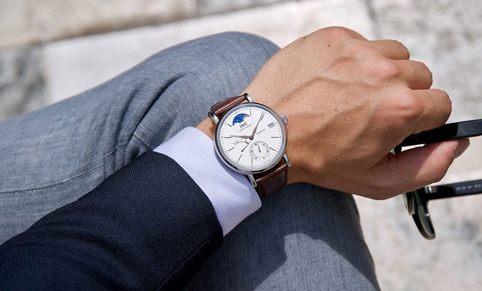 Bí quyết để đeo đồng hồ nam đủ đẹp và đúng cách - 1
