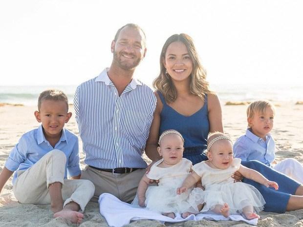 Ông bố không tay không chân vẫn sinh 4 con với vợ đẹp, từng được trả 32 tỷ đến VN - 2