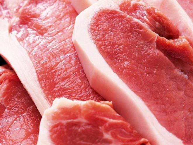 Khi mua thịt, chỉ cần nhìn biểu hiện sau khi ấn ngón tay vào miếng thịt sẽ biết thịt tươi hay ôi - 1