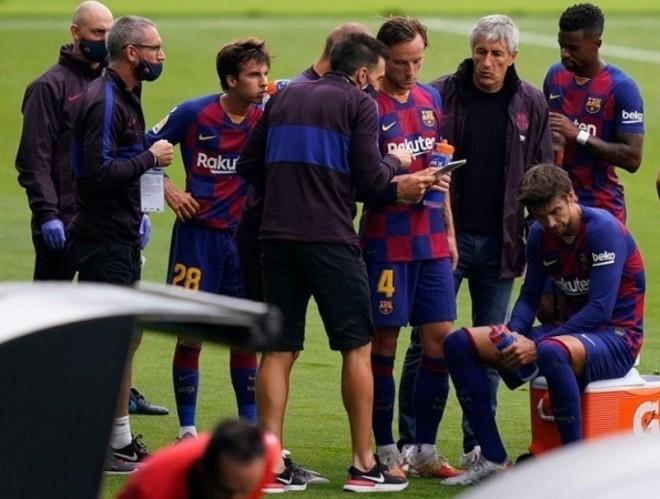 Barca thất thế Real đua vô địch La Liga, xem video highlight nóng nhất trên 24h.com.vn - 1