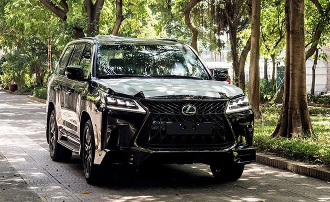 Cận cảnh Lexus LX 570 Super Sport 2020 Black Edition giá hơn 9 tỷ đồng tại Việt Nam - 1