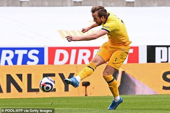 Video Newcastle - Tottenham: Kane lỡ hẹn hat-trick, báo hại phút 85 - 1
