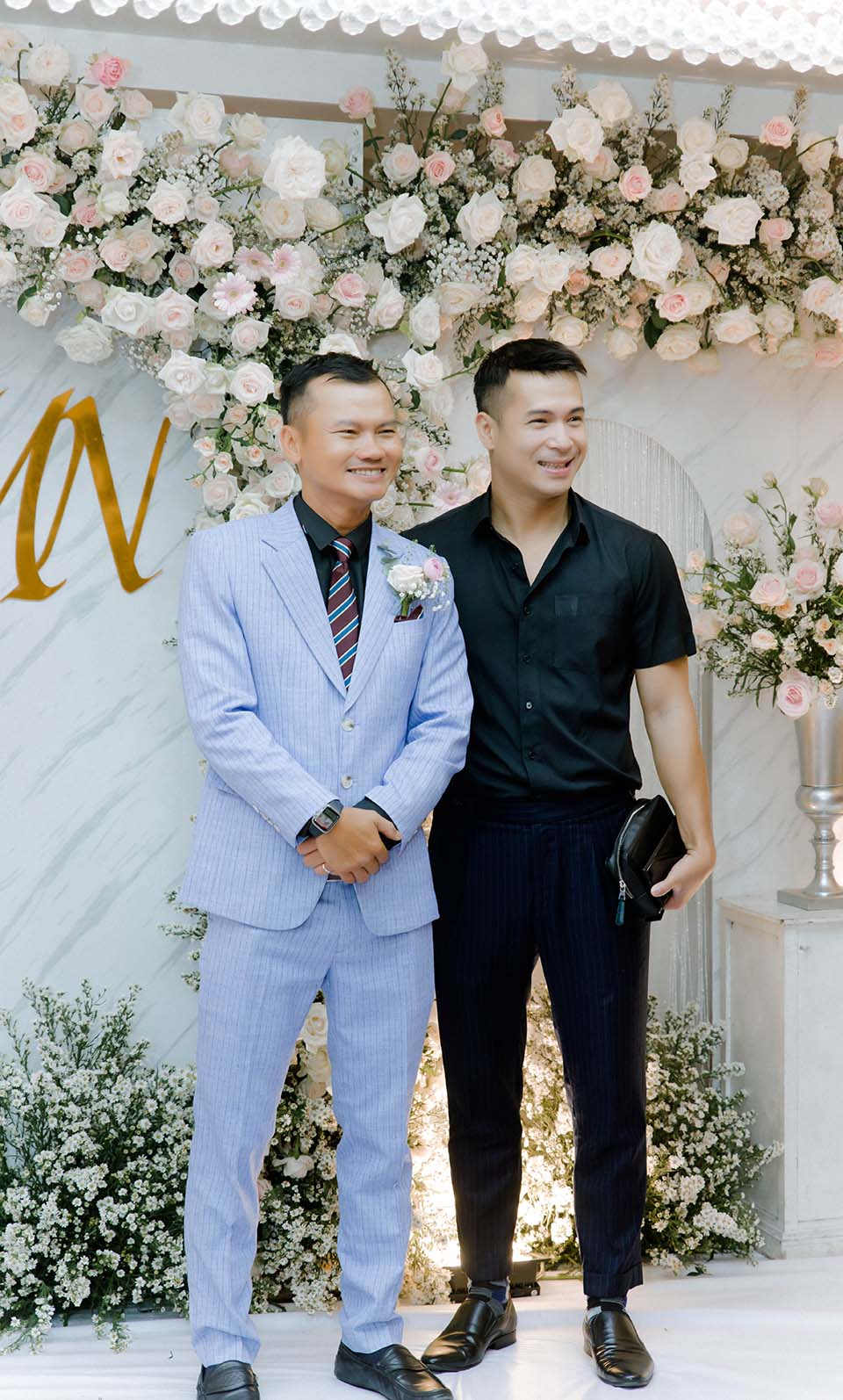 """Sao Việt dự đám cưới của """"hoa hậu Bolero"""" được chồng tặng 15 sổ tiết kiệm - 1"""