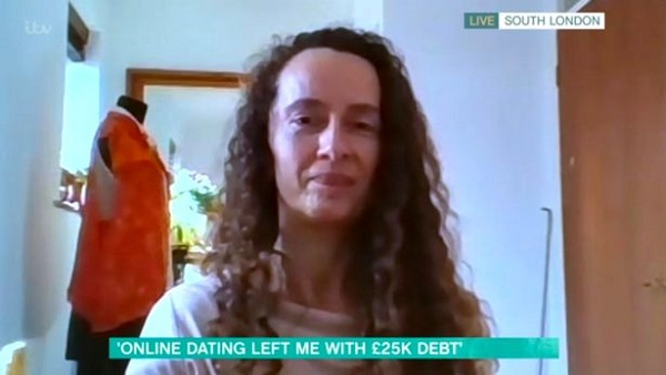 Tìm bạn trai trên ứng dụng hẹn hò, người phụ nữ bị lừa mất hơn 800 triệu đồng - 1