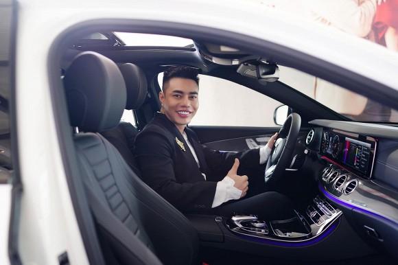 """Chưa có bằng lái, Lê Dương Bảo Lâm vẫn """"chơi lớn"""" sở hữu nhiều xế hộp - 1"""