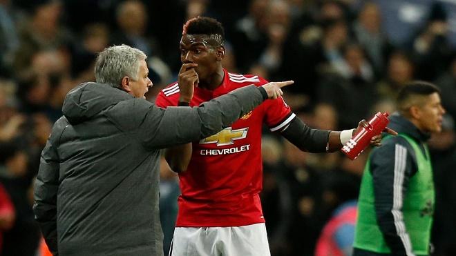 "Mourinho bị Pogba chê ""ngoại giao"" kém Solskjaer, phản pháo cực gắt - 1"