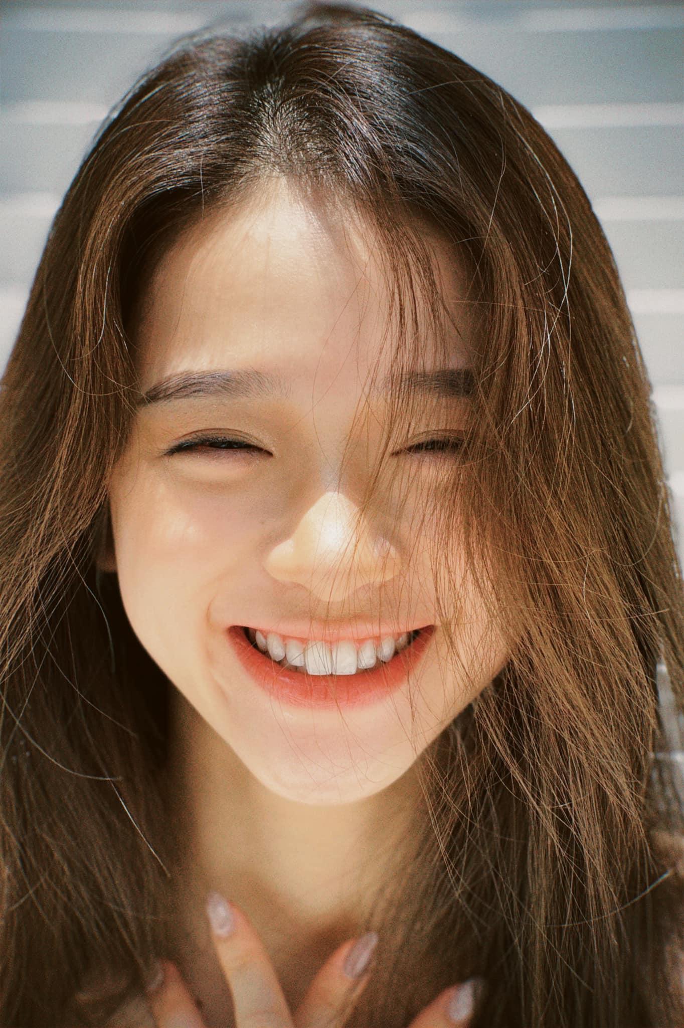 Linh Ka ngày càng xinh đẹp vẫn bị miệt thị ngoại hình, nghi phẫu thuật thẩm mỹ - 1