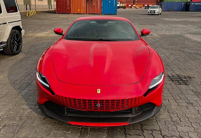 Siêu xe Ferrari Roma thứ 2 xuất hiện tại Việt Nam - 1