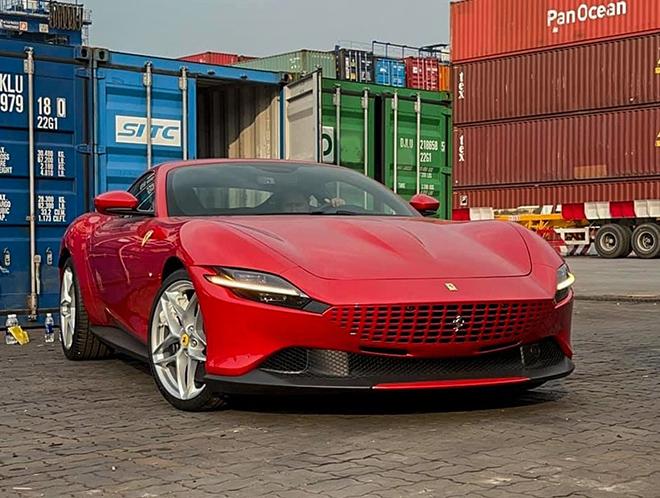 Siêu xe Ferrari Roma thứ 2 xuất hiện tại Việt Nam - 4