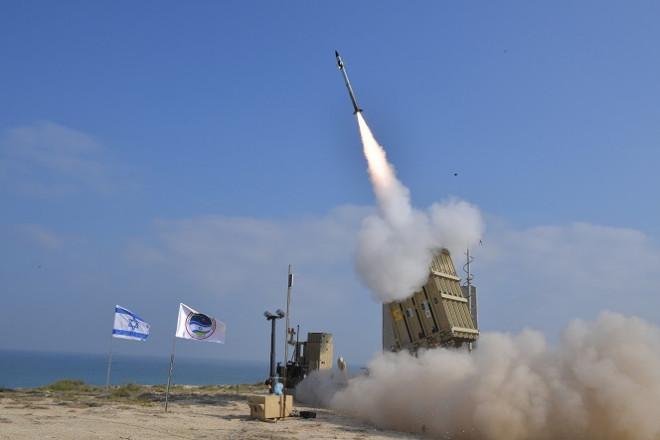 """Toàn bộ hệ thống đánh chặn nhiều tầng của Israel """"im lặng như tờ"""" khi bị tấn công tên lửa - 1"""