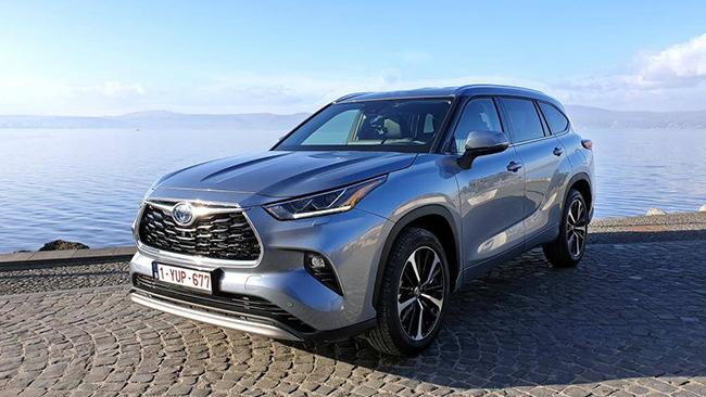 1. Toyota Highlander 2021 (điểm an toàn: 9,9/10)