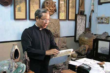 Bộ sưu tập đèn cổ phong phú nhất Việt Nam - 1