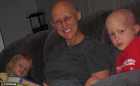 Bệnh lạ: Gia đình không có mồ hôi - 1