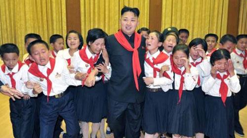 Phụ nữ Triều Tiên được phép đi giày cao gót - 1