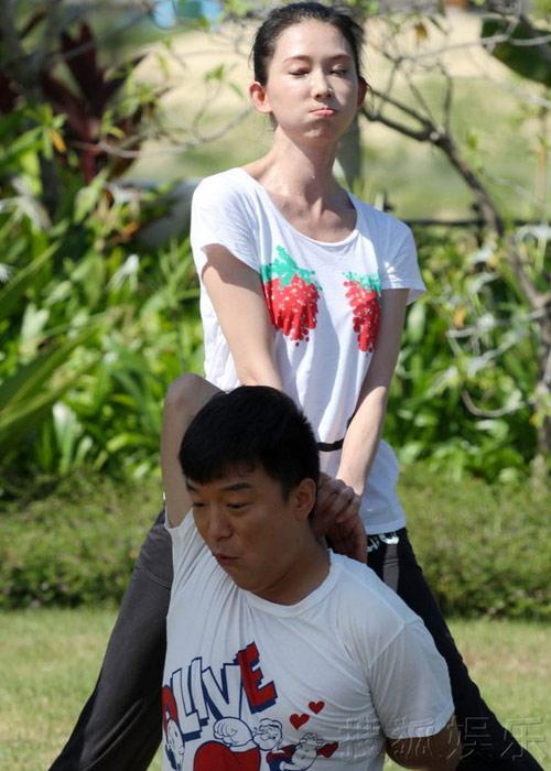 Lâm Chí Linh mắc kẹt giữa 2 chàng trai - 1