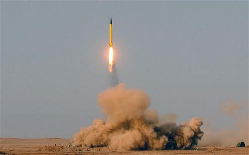 Iran sẵn sàng tấn công căn cứ quân sự Mỹ - 1