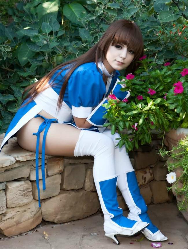 Kasumi vốn nổi tiếng là nhân vật nữ có nhiều fan hâm mộ trong tựa game Dead or Alive, hãy cùng chiêm ngưỡng bộ ảnh do coser phương tây đảm nhiệm vai mỹ nữ này.