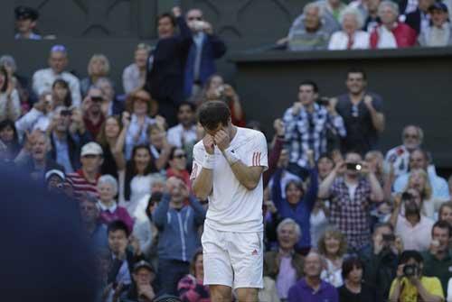 Federer hạnh phúc, Murray nghẹn ngào - 1