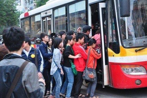 Kiến nghị tăng giá vé xe buýt - 1