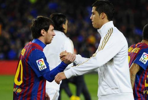 QBV FIFA 2012: Ronaldo thắng Messi? - 1