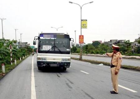 Đà Nẵng: Hỗ trợ CSGT bằng tiền phạt - 1