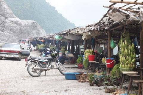 Chợ cua đá Hòa Bình - 1