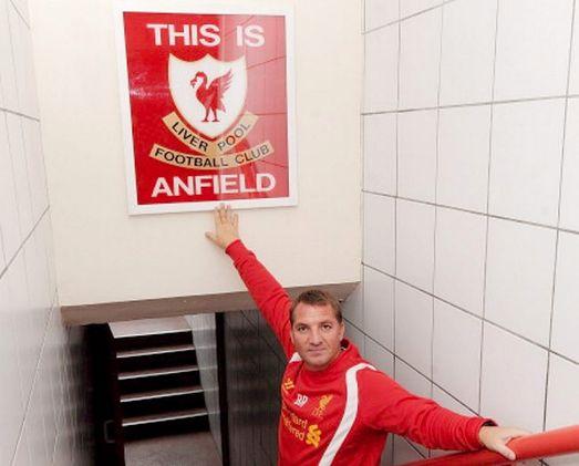 Liverpool: Lối thoát nào cho Carroll? - 1