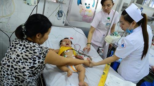 Bệnh lạ ở Campuchia có thể là tay chân miệng - 1