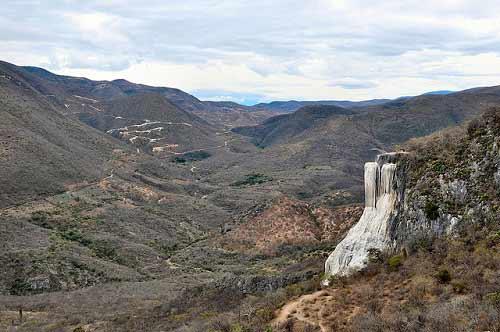 Vẻ đẹp tuyệt vời của ngọn thác ảo ở Mexico - 1