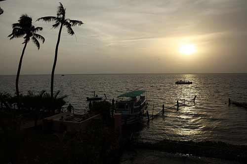 Ngôi làng Kumarakom xinh đẹp trên hòn đảo nổi - 1