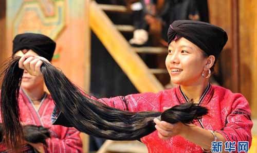 Tới thăm thôn toàn phụ nữ tóc dài - 1