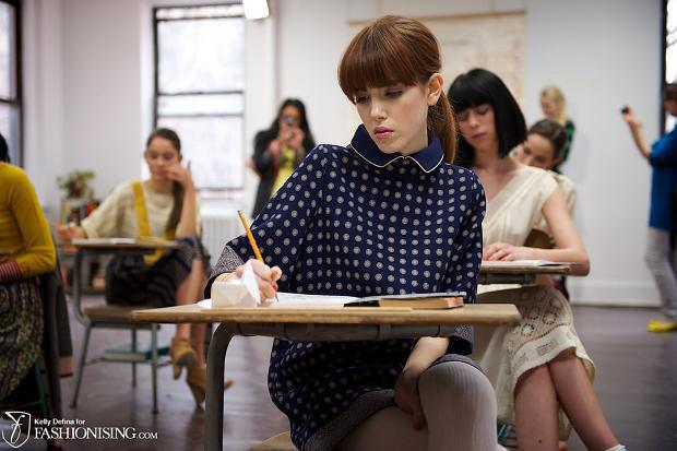 Mùa thu 2012: Nữ sinh mặc gì đến trường? - 1