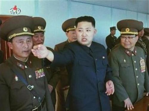 Kim Jong Un làm Nguyên soái quân đội - 1