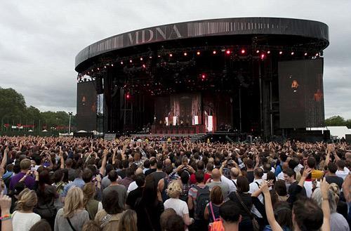 Diễn ở London, Madonna nói yêu Ba Lan - 1