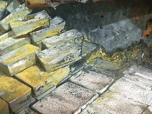 Hàng chục tấn bạc trong xác con tàu ma - 1