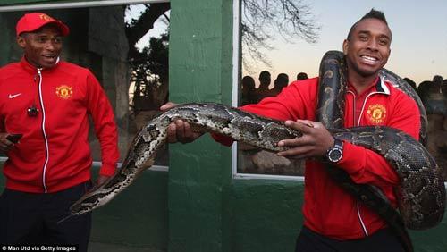 Dàn sao MU quậy tưng bừng tại Nam Phi - 1