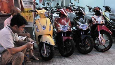 Liên tục khuyến mãi, xe máy vẫn thê thảm - 1