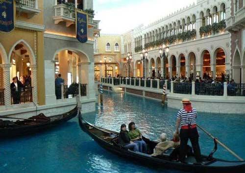 Khám phá 5 thành phố lãng mạn nhất Italy - 1