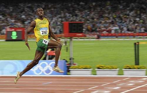 """Usain Bolt """"chạy đua"""" để tham dự Olympic - 1"""